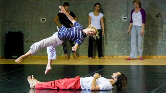 gn | mc Guy Nader and Maria-Campos falling & rolling workshop